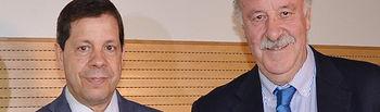 José Manuel García con Vicente del Bosque en el IX Encuentro Internacional de la Asociación Española de Ciencias del Deporte, celebrado en la UCLM.