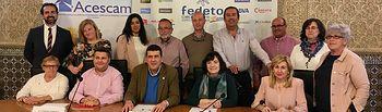 Firma del III Convenio Marco ACESCAM, CCOO y UGT.