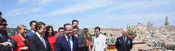 El presidente de Castilla-La Mancha, Emiliano García-Page, asiste a la tradicional romería del Valle en la capital regional. (Fotos: José Ramón Márquez // JCCM)