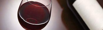 A los beneficios cardiovasculares demostrados del vino se unen otras propiedades saludables derivadas del resveratrol.