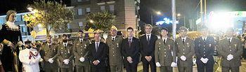 Álvaro Gutiérrez con los militares distinguidos.