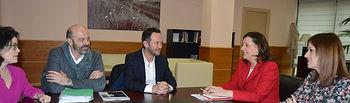 El Gobierno regional destaca el valor que aporta el diseñador toledano Ulises Mérida a la Marca Castilla-La Mancha. Foto: JCCM.