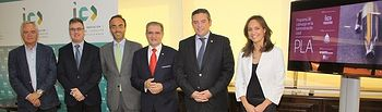Foto de i. a d. Tomás Mañas, Fermín Cerdán, Antonio Núñez, Andrés Gómez Mora, Santiago Lucas-Torres y Ana López-Casero
