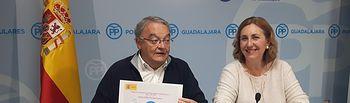 Juan Antonio De las Heras y Silvia Valmaña, en rueda de prensa.