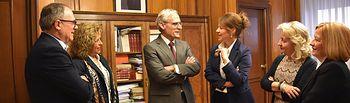 El Fiscal Superior de Justicia de CLM, José Martínez Jiménez, ha mantenido un encuentro con la consejera de Bienestar Social, Aurelia Sánchez.