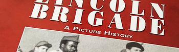 """Iglesias le ha regalado el libro """"The Lincoln Brigade. A picture history"""", en agradecimiento a los estadounidenses que lucharon contra el fascismo en España"""