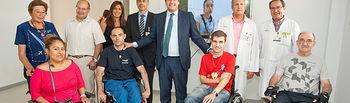 Echániz con pacientes del Hospital Nacional de Parapléjicos-1. Foto: JCCM.