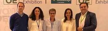 Flora Bellón con los representantes almazaras toledanas.