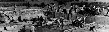 En la foto, presos republicanos trabajando en la construcción del canal del Bajo Guadalquivir, tras la Guerra Civil, y durante la dictadura franquista. ¡Esos sí que eran Presos Políticos!