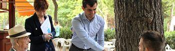 Javier Cuenca visita el kiosco de prensa del Parque 'Abelardo Sánchez'