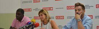 """CCOO Albacete en colaboración con ACAIM y Médicos del Mundo amplían la campaña """"Tú nos informas, CCOO denunciamos"""" para erradicar los abusos, fraudes y explotación laboral durante las campañas agrícolas."""