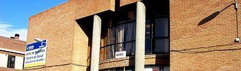 El Gobierno de Castilla-La Mancha continúa los trámites para la reforma del Centro de Salud de la localidad guadalajareña de Azuqueca de Henares que aparece en la imagen.