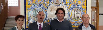 Los profesores Aznar y Martínez con los representantes de la Consejería de Educación.