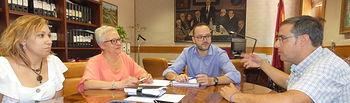 El vicepresidente de la Diputación, Francisco Valera, ha mantenido una reunión de trabajo con la alcaldesa de Tobarra, Amparo Ballesteros.