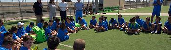 Javier Cuenca, alcalde de Albacete, habla con los participantes de Fútbol-Chef