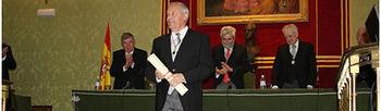 Enirque Castillo, en su toma de posesión como miembro de la Real Academia de Ciencias Exactas, Físicas y Naturales.
