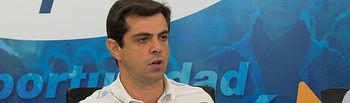 Javier Cuenca, alcalde de Albacete, durante la rueda de prensa.
