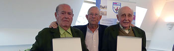 José Moreno (i) junto al delegado provincial de caza, Manuel Aranda (c) y Ricardo Ayala (d)