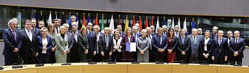 La ministra de Defensa firma en Bruselas el protocolo de adhesión de España a la Cooperación Estructurada Permanente, PESCO. Foto: Ricardo Pérez/MDE