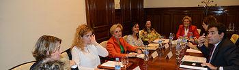 Carlos Cabanas recibe a representantes de las Asociaciones de mujeres rurales. Foto: Ministerio de Agricultura, Alimentación y Medio Ambiente