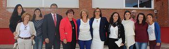 Carmen Olmedo visita el Colegio de Cózar.