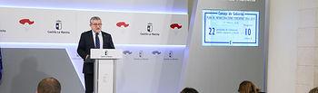 El consejero de Educación, Cultura y Deportes, Ángel Felpeto, informa, en el Palacio de Fuensalida, sobre los acuerdos del Consejo de Gobierno relacionados con su departamento. (Fotos: Ignacio López // JCCM)