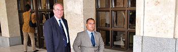 El Ayuntamiento de Albacete y COCEMFE-FAMA obtuvieron los Premios Solidarios en 2005. En la foto, de izquierda a derecha, Manuel Pérez Castell, alcalde de Albacete y Marcelino Escobar, presidente de la mencionada asociación.