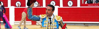 Enrique Ponce en su segundo toro (de Samuel Flores) de la corrida de la Feria de Albacete del 08-09-16.