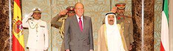 Su Majestad el Rey es recibido por Su Alteza el Jeque Sabah Al-Ahmad Al-Jaber Al-Sabah, Emir del Estado de Kuwait