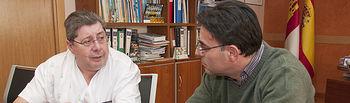El gerente del Área Integrada de Salud de Guadalajara, Lucio Cabrerizo, se ha reunido con el presidente de la Federación Provincial de Personas con Discapacidad Física y Orgánica de Guadalajara (Cocemfe), Ángel Sánchez.