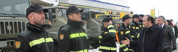 José Julián Gregorio ha visitado Almansa (Albacete) para conocer de primera mano los trabajos de la Unidad Militar de Emergencias (UME) desplegada en la localidad para asistir a los afectados por la nevada