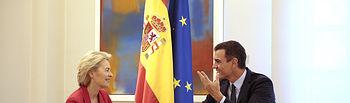 El presidente del Gobierno en funciones, Pedro Sánchez, durante su reunión con la presidenta electa de la Comisión Europea, Ursula von der Leyen. Foto: Pool Moncloa www.lamoncloa.gob.es