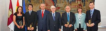 Barreda junto a los galardonados con los Premios de Investigación e Innovación de Castilla-La Mancha 2009