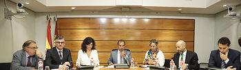 El presidente de las Cortes regionales, Pablo Bellido, ha presidido esta tarde la reunión de la Comisión de Reglamento y Estatuto del Diputado. Foto: CARMEN TOLDOS