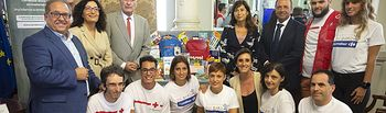 Foto de familia presentación Vuelta Solidaria de Carrefour. Foto: Daniel Pérez