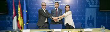 El consejero de Agricultura, Medio Ambiente y Desarrollo Rural ha firmado un convenio de colaboración con Ecoembes