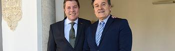 El presidente de Castilla-La Mancha, Emiliano García-Page, recibe en el Palacio de Fuensalida, al embajador de Cuba en España, Gustavo Machín Gómez.(Fotos:José Ramón Márquez //JCCM).