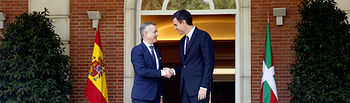 Sánchez recibe al presidente del Gobierno vasco, Íñigo Urkullu