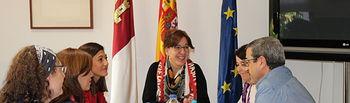 Reunión de la consejera de Igualdad y Portavoz, Blanca Fernández, con representantes del CERMI Castilla-La Mancha