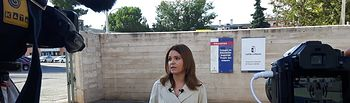Marta Valdenebro, junto colegio educación especial Virgen del Amparo, en Guadalajara.