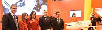 Firma del convenio de colaboración con Iberia. Foto: JCCM.