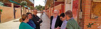 El director provincial de Fomento visita el barrio