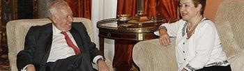 El ministro de Asuntos Exteriores y de Cooperación, José Manuel García-Margallo, durante la reunión con la comisaria europea de Cooperación, Ayuda Humanitaria y Respuesta a las Crisis, Kristalina Georgieva (Foto EFE)