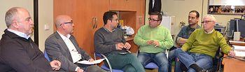 El candidato del PSOE al Ayuntamiento de Albacete, Modesto Belinchón, mantuvo una reunión de trabajo con representantes de las federaciones regionales de Natación y Voleibol y directivos del Club Natación Albacete (CNA) y de la Asociación Deportiva Voleibol Albacete (ADEVA)