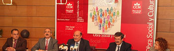 Federico Rodríguez Morata (c) ha presentado las Ayudas Sociales de CCM en Albacete junto a Martín Molina (a su dcha.), Jesús Gallego (izq.) y una representación de las asociaciones beneficiarias