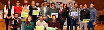 Foto familia ganadores V concurso de proyectos empresariales innovadores.