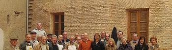 La presidenta y diputados provinciales con los cocineros en la Plaza del Deán
