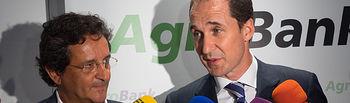 Aurelio Vázquez García Presidente AEFCLM y Joaquín Chaparro, Director Comercial Agrobank