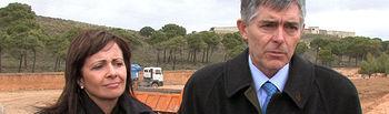 Carmen Oliver, alcaldesa de Albacete, junto Juan José Moragues, presidente de la Confederación Hidrográfica del Júcar.