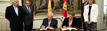 Cospedal firma un protocolo de colaboración_II. Foto: JCCM.